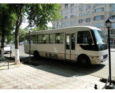 Midi-Bus MITSUBISHI ROSA